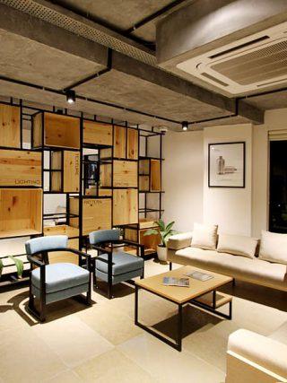 Wat is de geschikte houten stellingkast?